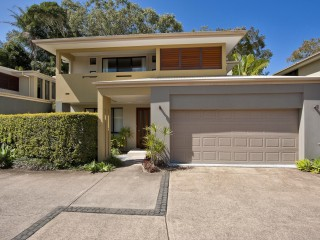 View profile: Sold by R&W Noosa - Stylish & Sophistication