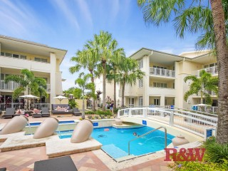 View profile: 5 Star Luxury in the Heart of Hastings Street !
